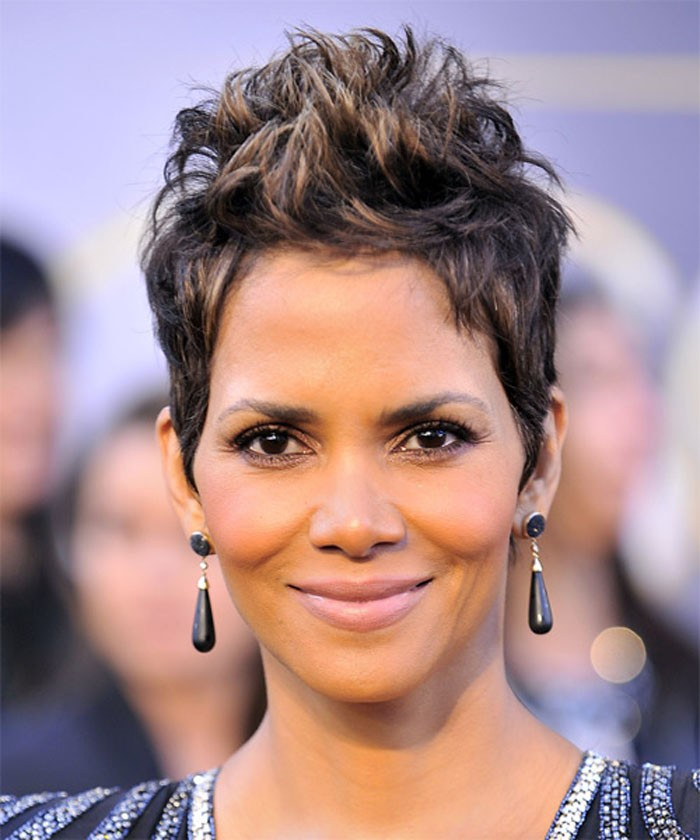Halle-Berry-Short-Hairstyles-for-Women