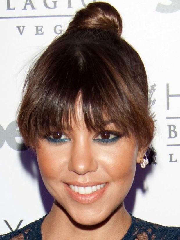 Kourtney Kardashian - heart-face