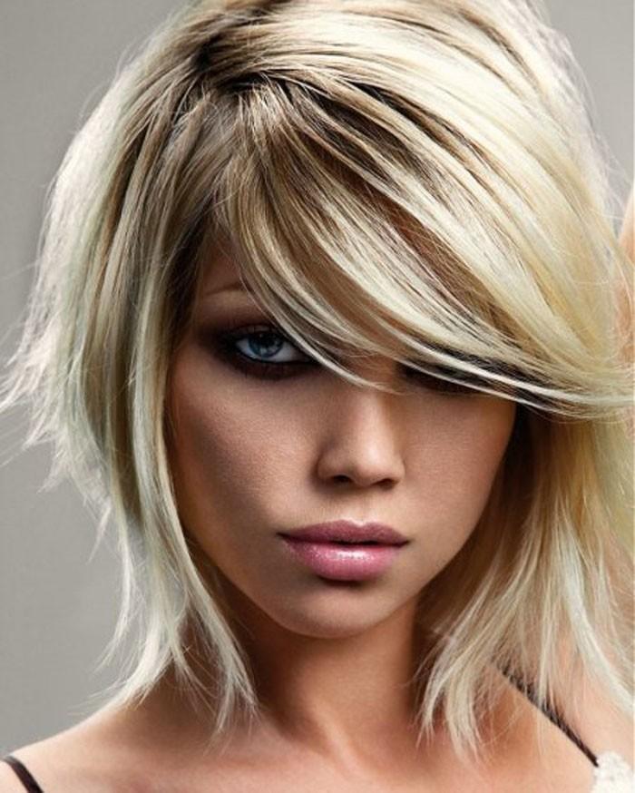 Medium-Short-Layered-Hairstyles-for-Women