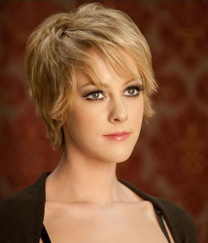 Short-Hairstyles-for-Fine-Thin-Hair-and-Oval-Faces