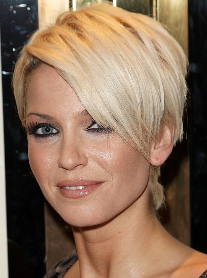 Styling Tips for Short Layered Hairstyles For Fine Hair – Designs by ...
